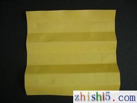 纸玫瑰的折法及步骤2