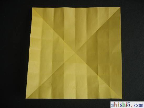 纸玫瑰的折法及步骤5